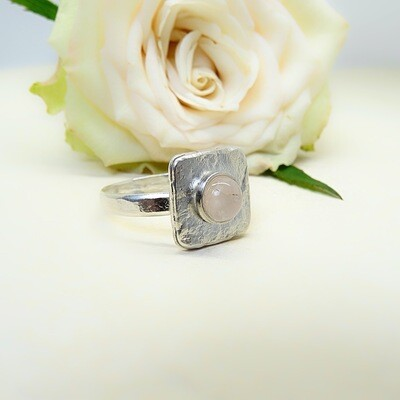 Silver ring - Pink Quartz stone