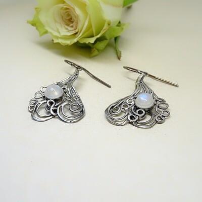 Silver earrings - Moonstone