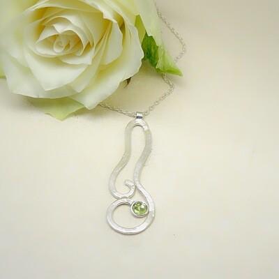 Silver pendant - Peridot
