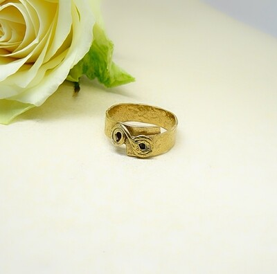 Silver plated ring - Hammer stone
