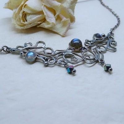 Silver necklace - Labradorite stones