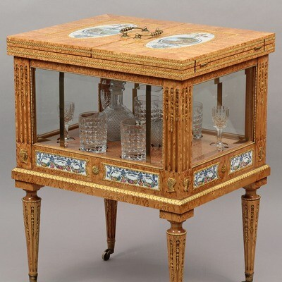 Столик для коньяка и виски