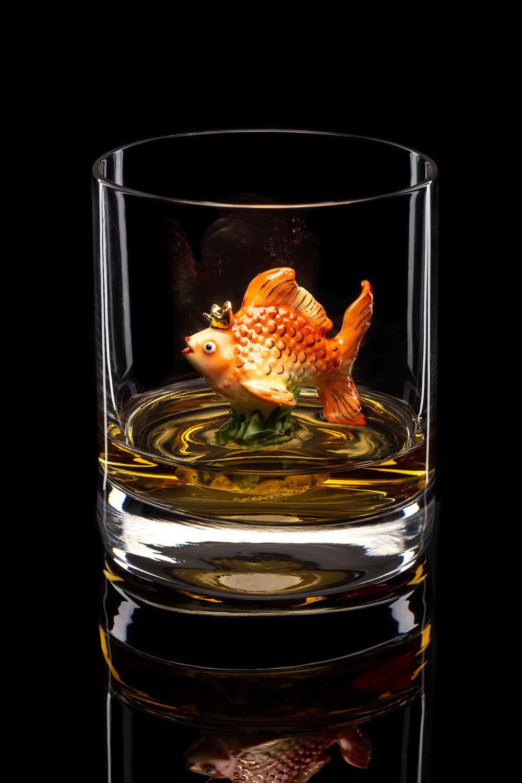 Бокал для виски Золотая рыбка.