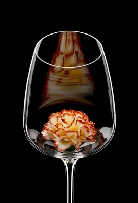Бокал для белого вина Гвоздика яркая.
