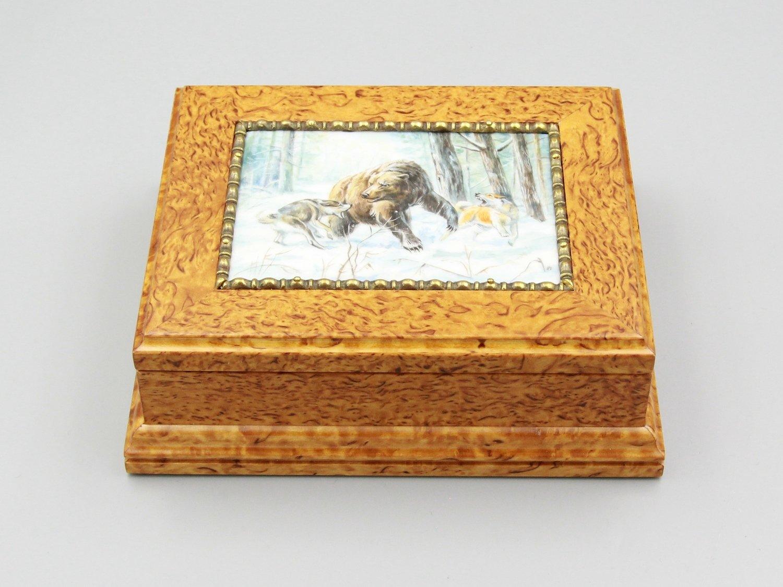 "Шкатулка для визиток ""Охота на медведя"""