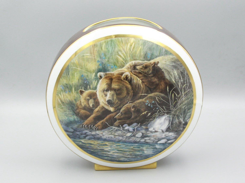 "Ваза ""Медведица и медвежата"""