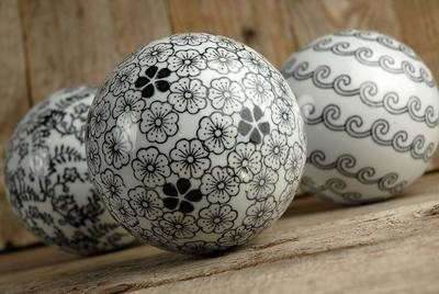 Black & White Porcelain Decorative Balls