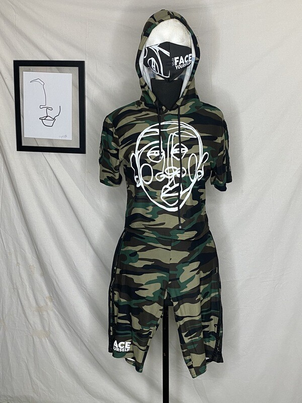 'Face Yourself' Camo Short Set