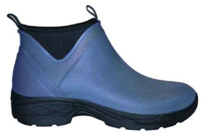 Støvle af neopren og gummi.