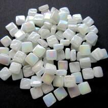 Pearlised broken white, 50g