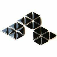 Ceramic triangles: Black