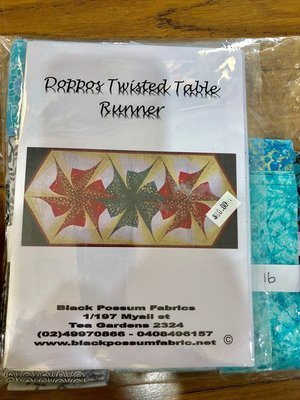 Doppos Twisted Table Runner Kit - Aquas & Greys