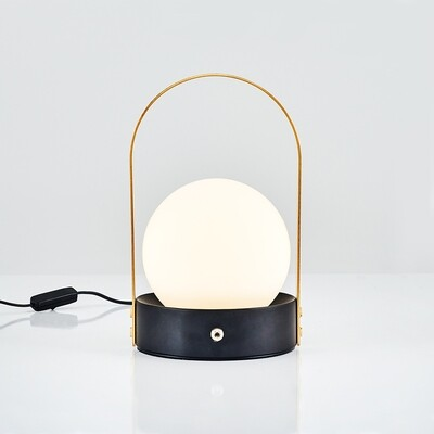 kiara dias table lamp