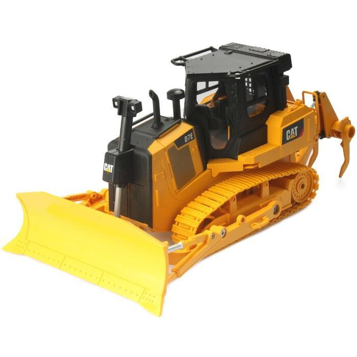 Diecast Masters CAT 1/24 Scale RC D7E Track Type Tractor DCM25002