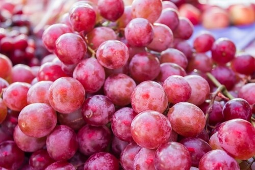 Red grapes flame (1 kg) عنب احمر