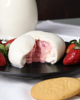Strawberry burrata بوراتا بالفراوله