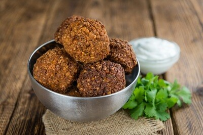 Vegan Kobeba with Muhammara (10 pcs) كبيبه صيامي بالمحمره