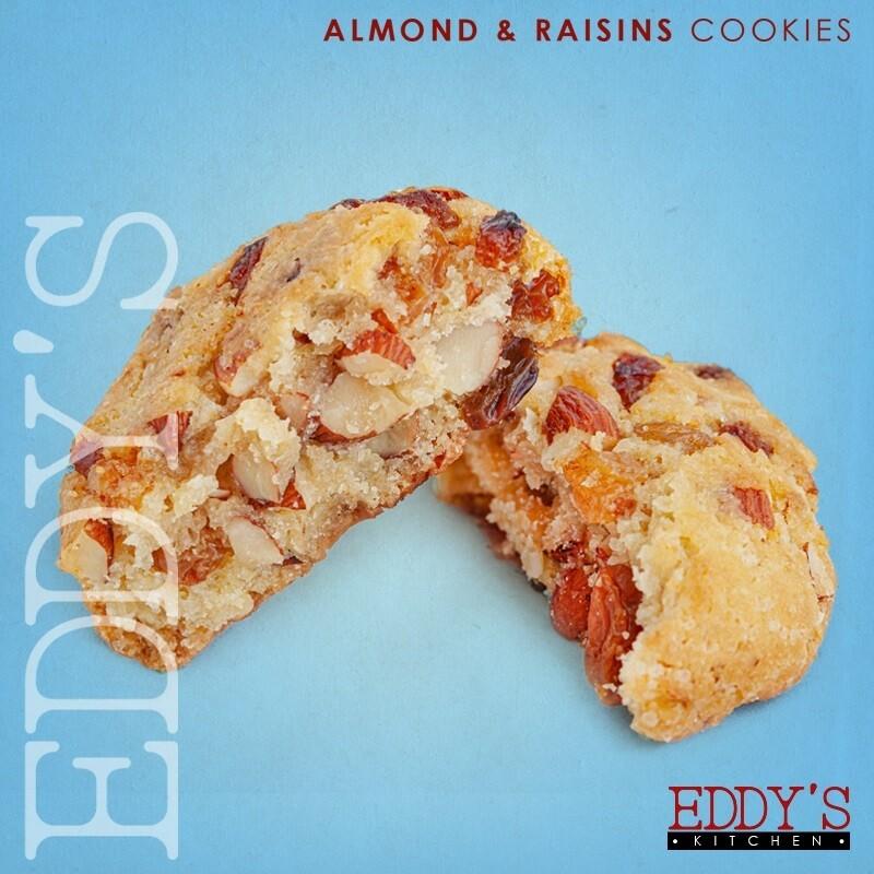 Almond Raisin Cookies (2) كوكيز باللوز والزبيب