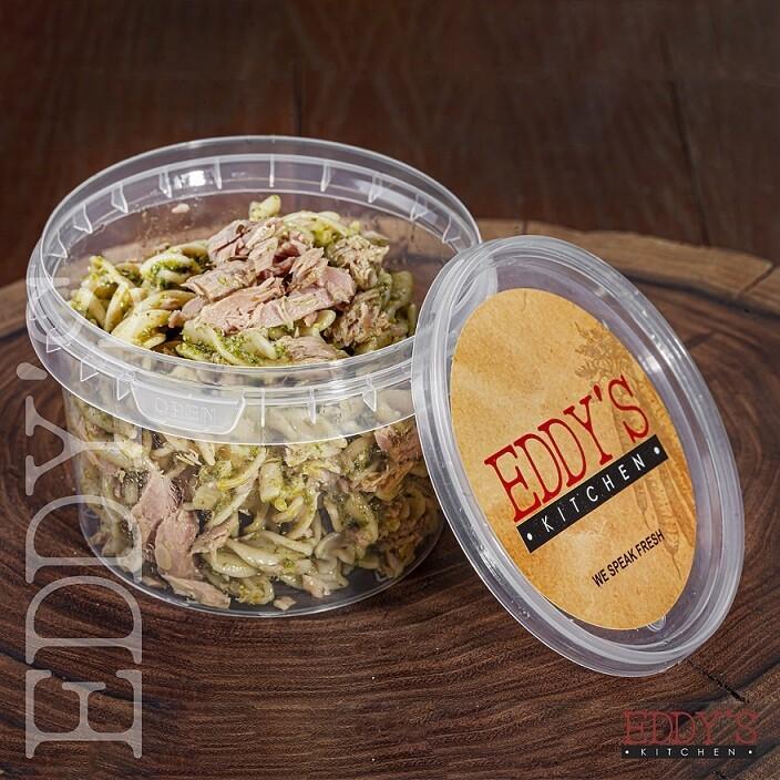 Tuna & Pesto Pasta Salad (500g) سلطة تونا ومكرونة بالريحان