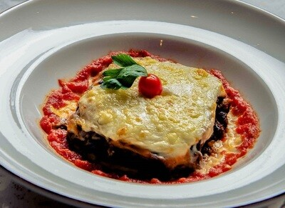 Moussaka with Béchamel Sauce (600g) مسقعة بالبشاميل