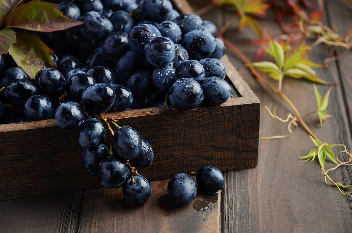 Black Grapes (1kg) عنب أسود