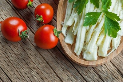 Mozzarella String Cheese (1kg) جبن موزاريلا سترينج