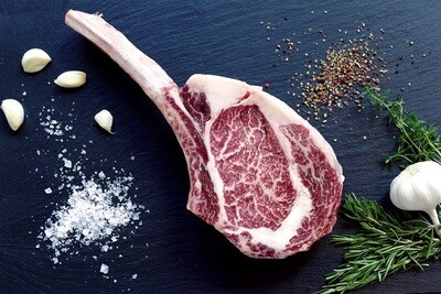 Tomahawk Steak (700g) ريش كندوز بالعظم بلدي