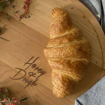 Plain croissant كرواسون سادة