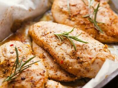 Marinated Chicken Breast (500g) بانيه للشوي