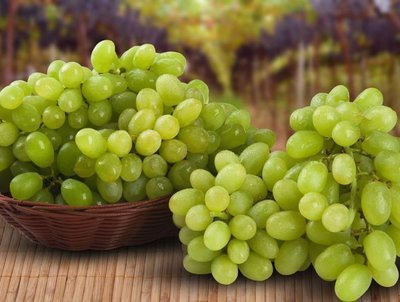 Grapes (green banity) (1 kg) عنب بناتي