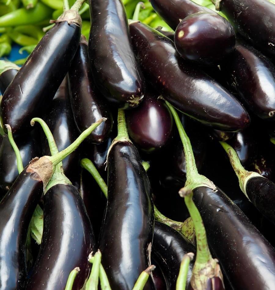 Long black eggplant (500 gm) باذنجان محشي اسود