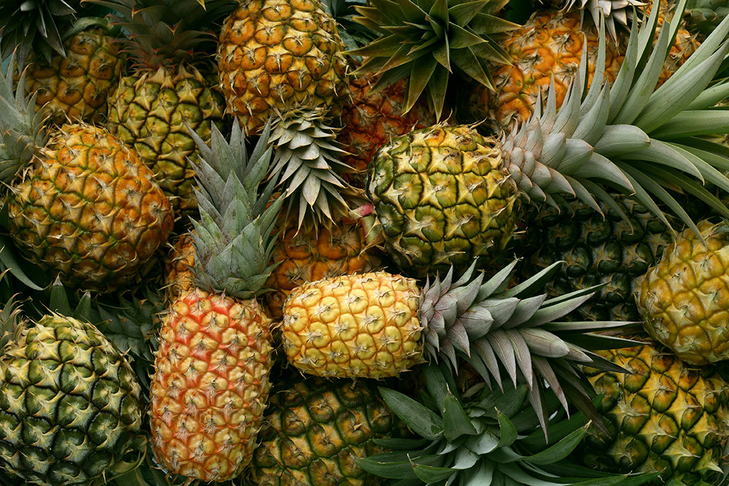 Pineapple - imported (per piece) أناناس - مستورد