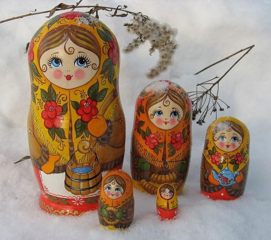 Матрёшка «По воду» авторская 5 кукол