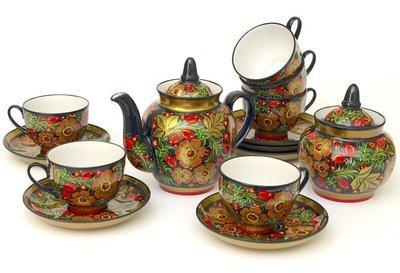 Чайный фарфоровый набор с хохломской росписью на 6 персон.