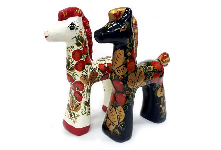 Ермиловская игрушка, сувенир «Жеребенок» длинноногий с хохломской росписью.