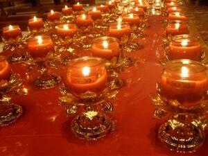 爲世界疫情點燈祈福