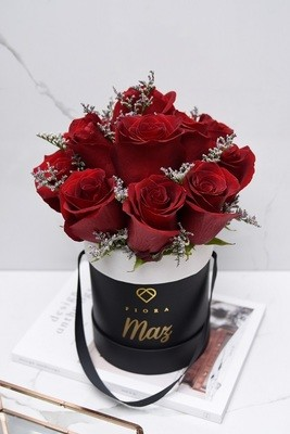 Small Bucket (12 Roses)