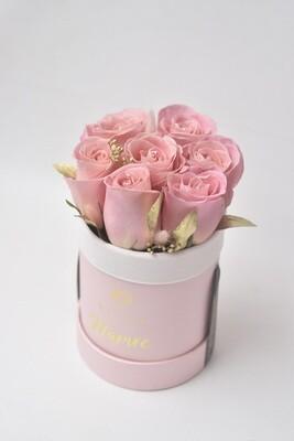 Small Bucket (7 Fresh Roses)