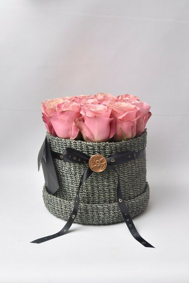 Flower Basket (12 Roses)
