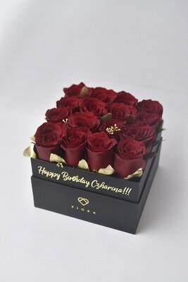 Square Box (16 Roses)