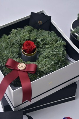 Fresh Pine Wreath with Preserved Rose Capsule