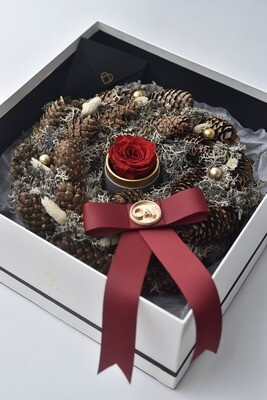Dried Pinecone Wreath with Preserved Rose Capsule