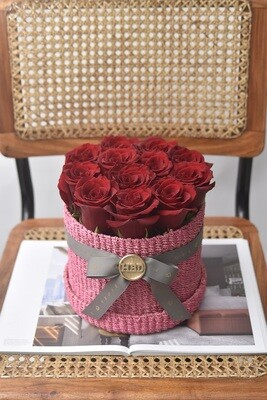 Flower Basket (12 Roses)