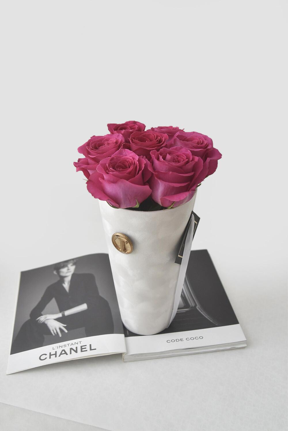 Flower Cone: Roses