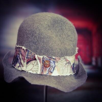 Amuse Bouche hat