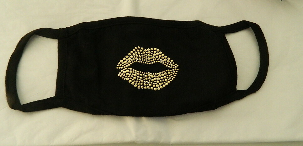 NON-SURGICAL  FACE MASKS       GOLD LIPS
