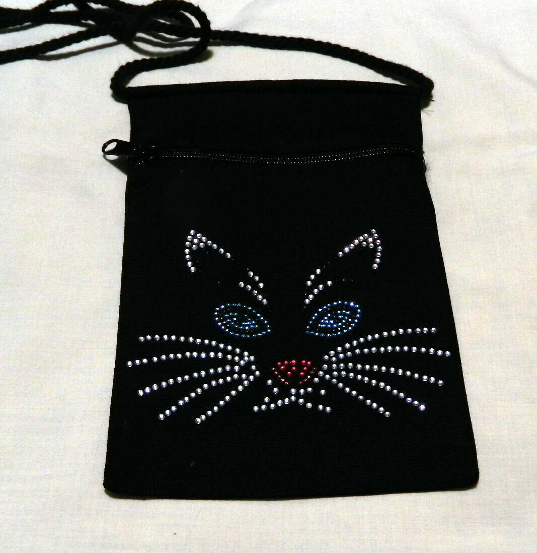 CAT FACE   Zipperd Embellished Pouch -Black only