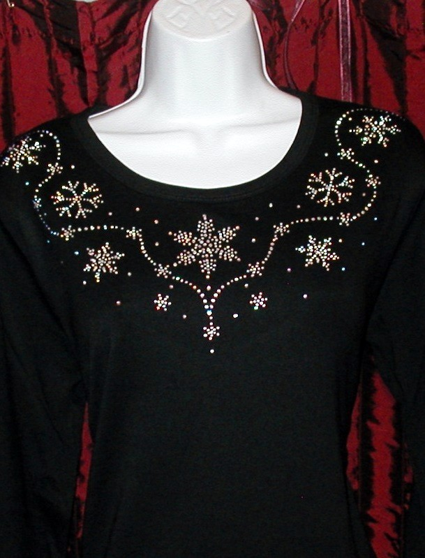 Snowflake - round  neckline