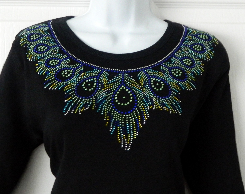 Peacock round neckline