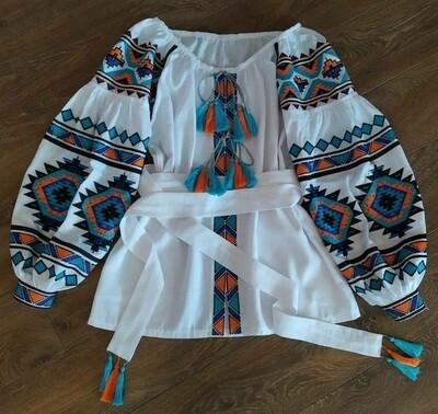 Вишиванка, жіноча вишивана блузка на білому льоні